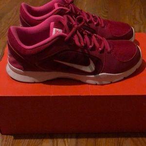 Women's Nike Training Tennis Shoes